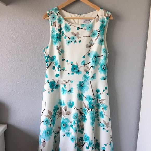 c6e509f1427e Jessica H Dresses & Skirts - Blue & white floral Jessica ...